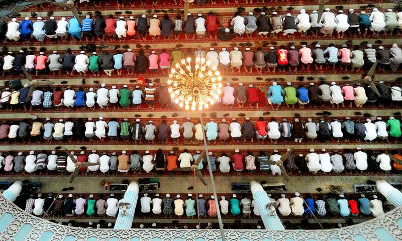 Musulmani la rugaciune