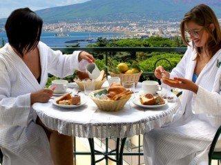 Smart Voyage - Coasta Amalfitană (Hotel Villa Serena 4*) | Avion - 7 nopți